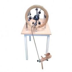 Mesa de manos con pedal para recuperación de extremidades inferiores cromada.