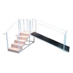 Escalera con plano inclinado, estructurado de acero.