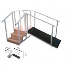 Escalera con plano inclinado regulable en altura con 3 peldaños
