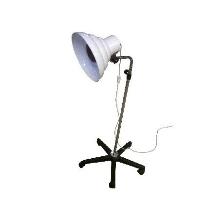 Lampara infrarrojos, rodable y regulable en altura. Equipada con bombilla de 250W