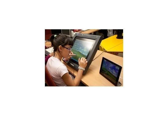 Los 7.500 alumnos ciegos que se incorporan a las aulas piden accesibilidad total en las nuevas tecnologías docentes
